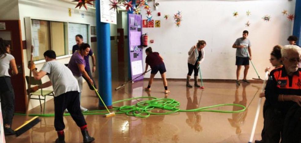 La Unión Local de AMPAS recoge material escolar para enviar a colegios inundados en Murcia