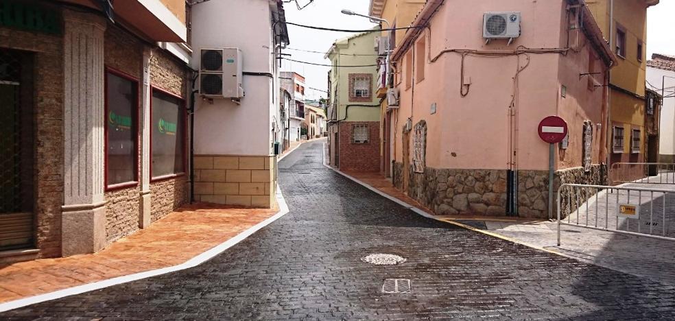C's advierte al Ayuntamiento del peligro del lacado de las nuevas calles al ser muy resbaladizo