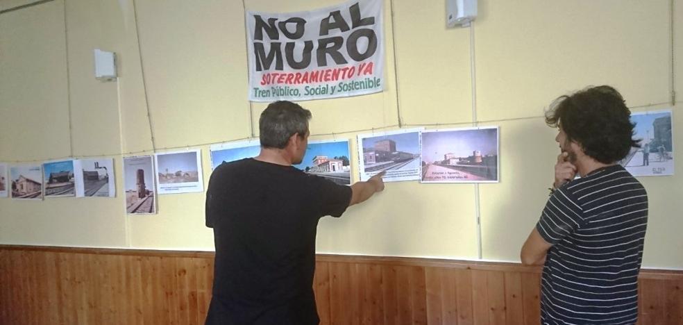 La plataforma No al Muro reanuda su actividad con una exposición y nuevas concentraciones