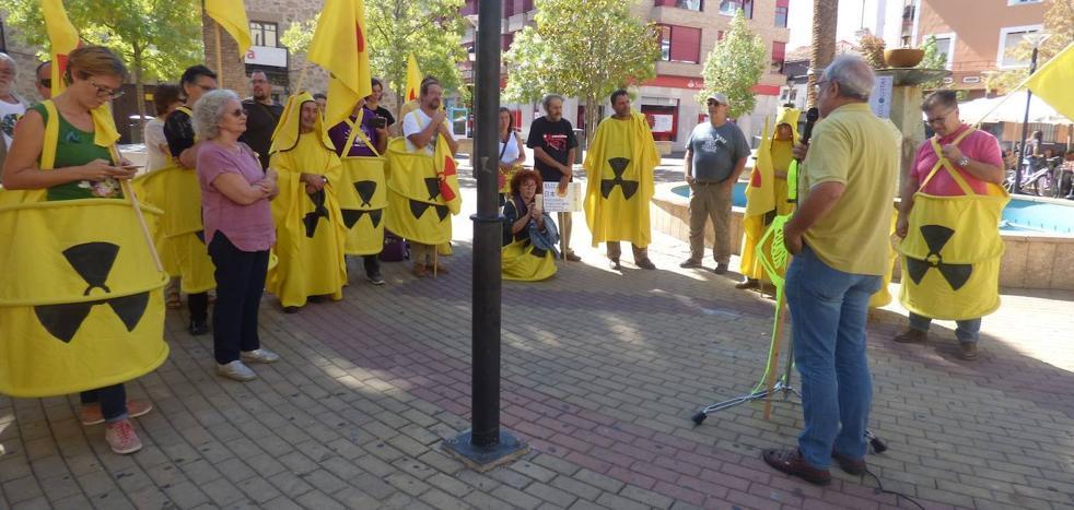 El movimiento antinuclear homenajea a Paquillo con dos charlas y una manifestación
