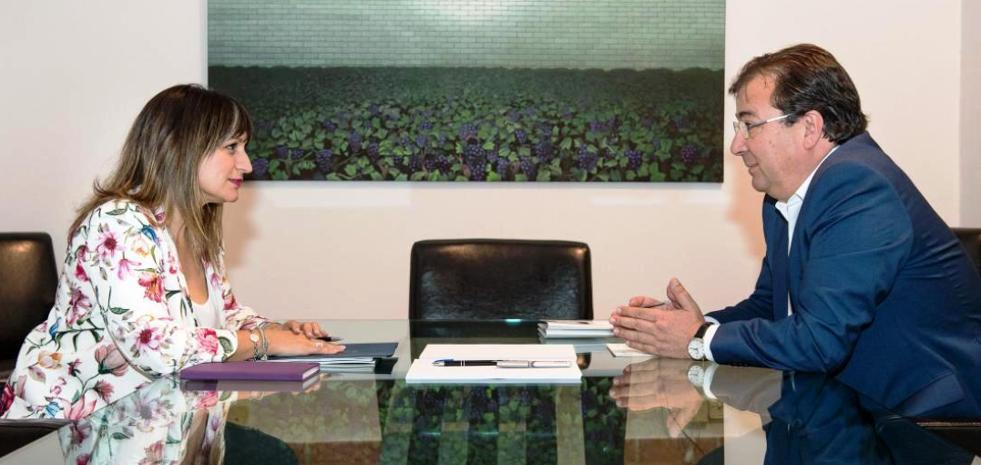 La alcaldesa pide mediación a Fernández Vara para que el tren de alta velocidad sea soterrado