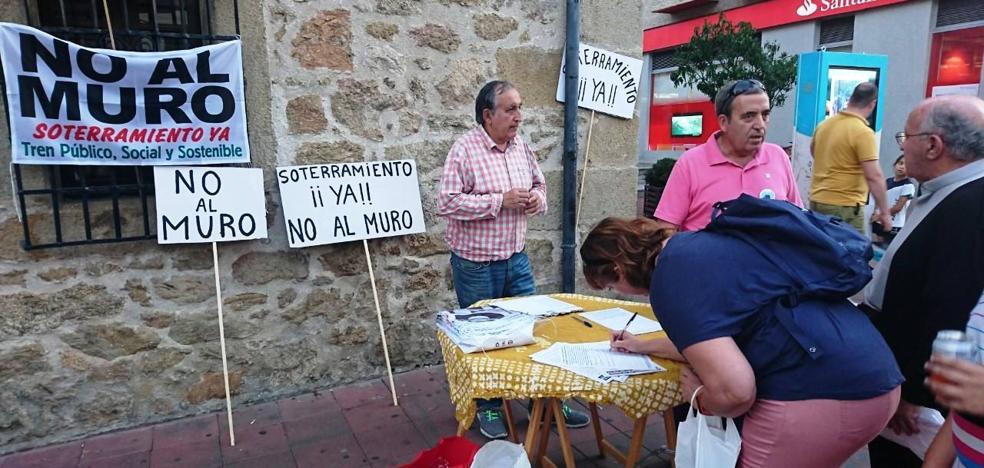 La plataforma No al Muro inicia una nueva campaña de recogida de firmas, ahora dirigidas a Adif