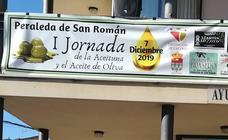 Peraleda de San Román vive una jornada alrededor de la aceituna y el aceite de oliva