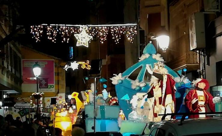 La cabalgata de los Reyes Magos despide la Navidad
