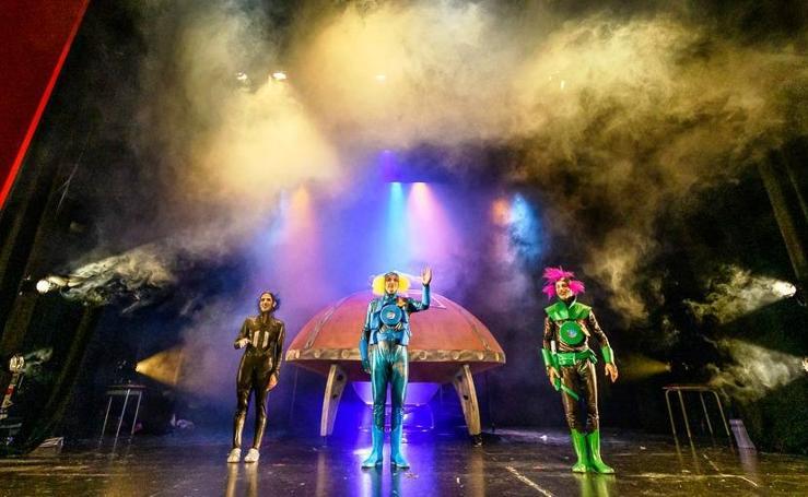 Los Asaco estrenan 'Crash, un planeta emocionante'
