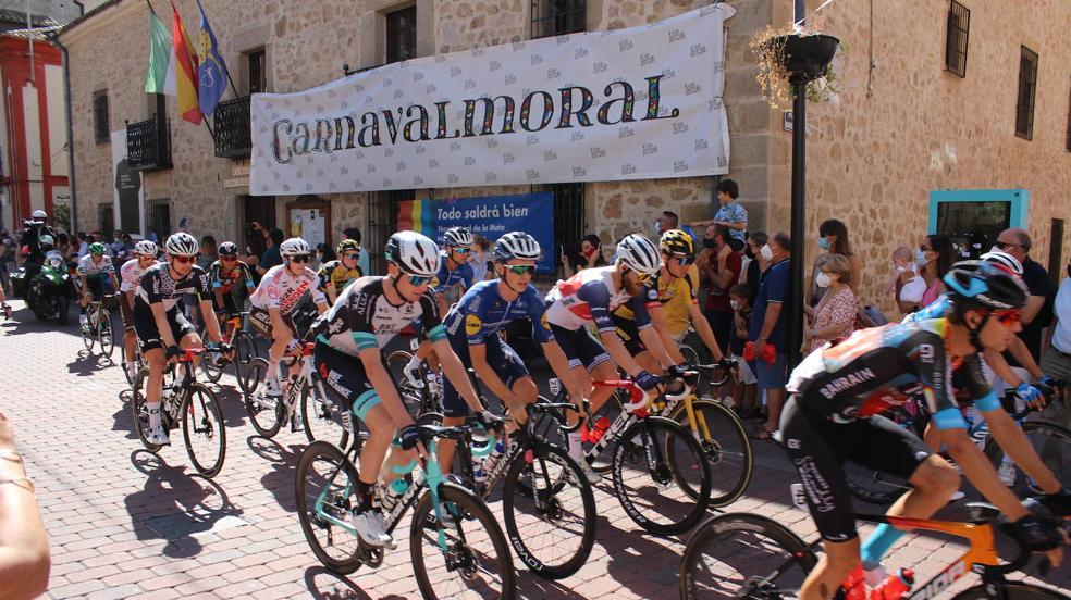 Jornada histórica para el deporte moralo: sale una etapa de la Vuelta Ciclista