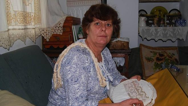 Isabel Cruz, reina de los bordados