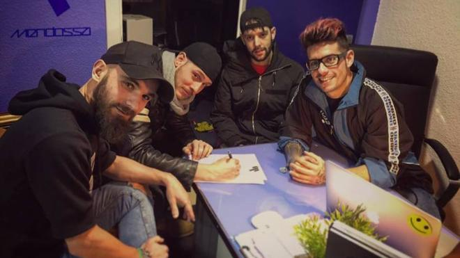 'The Mad Wolves' produce su primera canción con Gonso Rivas