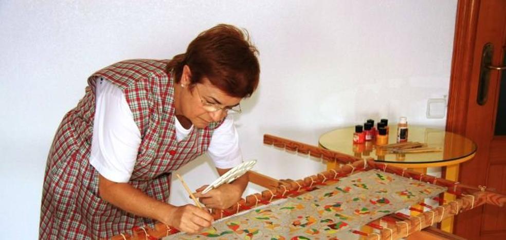 La artista Carmen Ramón Mesado expone su obra en el Museo de Olivenza