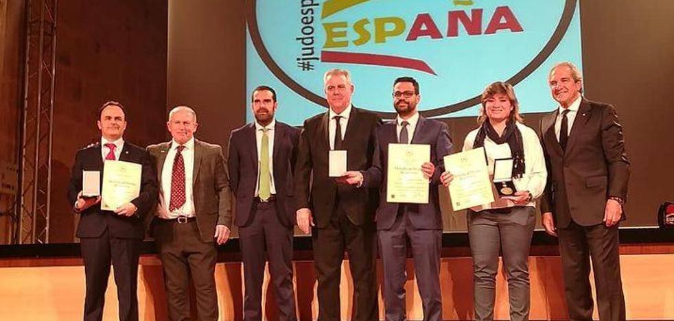 Olivenza recibe la Medalla de Oro al Mérito Deportivo de la Real Federación Española de Judo
