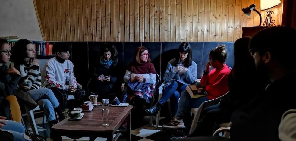 Limbo Cultura retoma las 'Tertulias do Chá' tratando la figura de Simone de Beauvoir