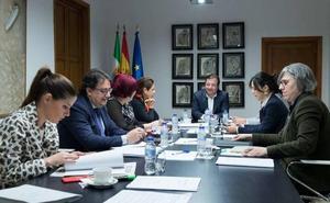 La Junta y la Diputación de Badajoz acondicionarán las carreteras de San Francisco y San Rafael de Olivenza