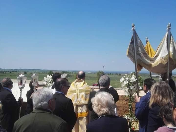 La Vigilia Pascual y la bendición de los campos ponen fin a la Semana Santa oliventina