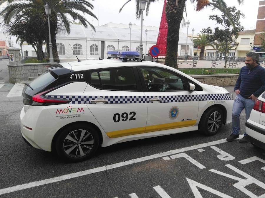 La Policía Local de Puebla de la Calzada cuenta ya con un coche 100% eléctrico