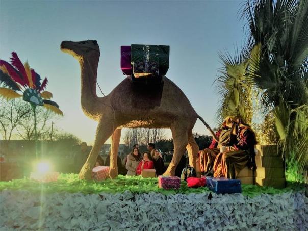 25 Carrozas conmemoran el 60 aniversario de la Cabalgata de Reyes de Puebla de la Calzada