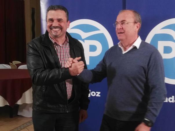 Julio Pámpano: «Quiero acabar con el miedo a decir en Puebla de la Calzada que se es del Partido Popular»