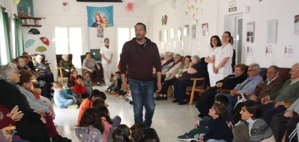 «Cuéntame un Cuento» en el Centro de Día.