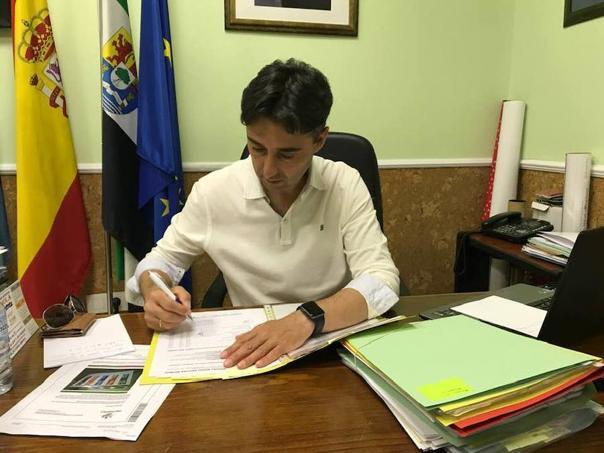 Juan Mari Delfa Cupido se convierte en el alcalde más votado de Extremadura entre los municipios de más de 5.000 habitantes