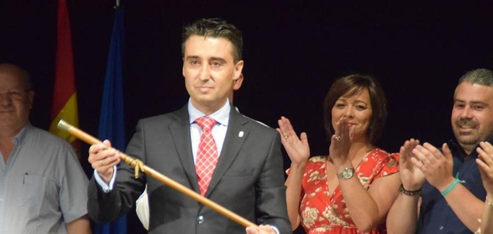 Juan Mari Delfa Cupido reelegido alcalde de Puebla de la Calzada