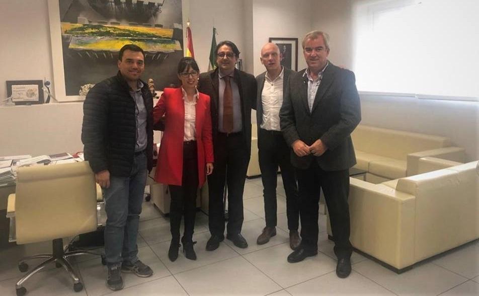 El equipo de Gobierno se reúne con Vergeles para tratar sobre la enfermedad de la silicosis