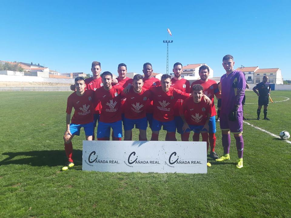 El CD Quintana goleó al Castuera B en el derbi de La Serena (3-0)