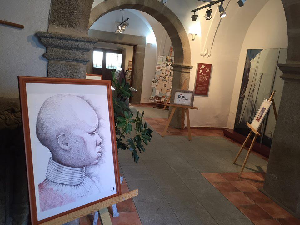 El Museo del Granito acogió la exposición 'Bic-Arte' con obras a bolígrafo de 13 artistas