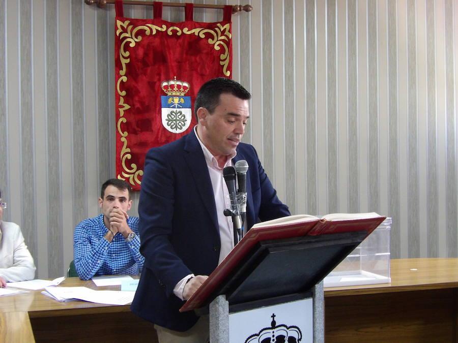 Raimundo Dávila toma posesión como alcalde de Quintana