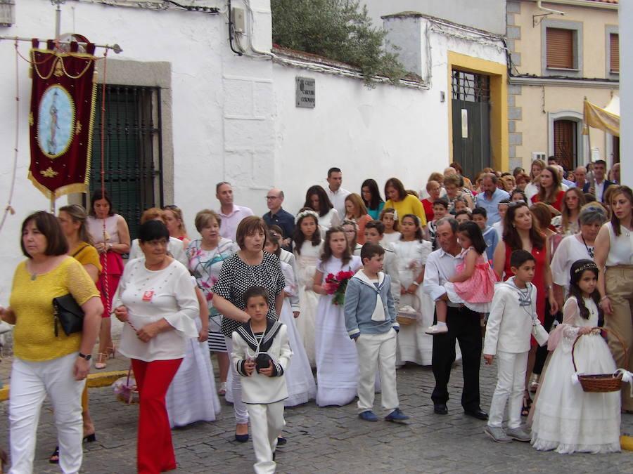 Quintana celebró la tradicional procesión del Corpus Christi