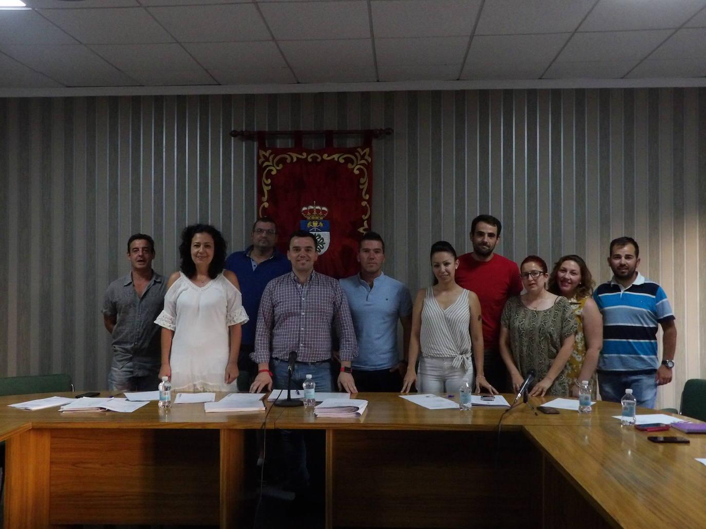 El alcalde presentó la nueva corporación municipal con los ediles de cada concejalía