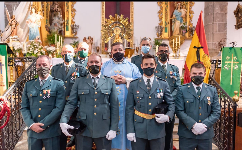 La misa en honor a la Virgen del Pilar contó con la presencia de la Guardia Civil