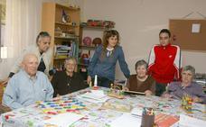 El Ayuntamiento de Coria entrega 1.000 euros a la asociación de Alzheimer
