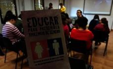 Los chicos y chicas de Down Plasencia conocen más sobre la violencia de género