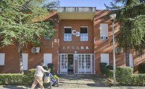 Bankia apoya con 4.800 euros el proyecto 'Escuela Vacacional: un apoyo a las personas con autismo' de Apnaba