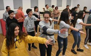 El Centro Joven de Badajoz organiza quedadas entre institutos y Aexpainba
