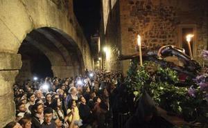 Cáceres vive una Semana Santa más inclusiva con saetas en lengua de signos
