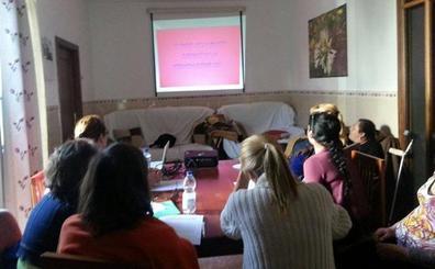 Usuarias de Apoyat participarán en un programa de radio terapéutico