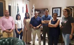 Apamex colaborará con Almendralejo para fomentar la accesibilidad y el empleo