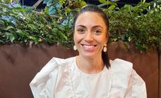 Una azafata santeña tiende un puente aéreo solidario con Cuba