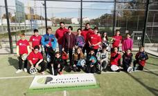 Caja Rural de Extremadura renueva su apoyo a las escuelas de pádel adaptado