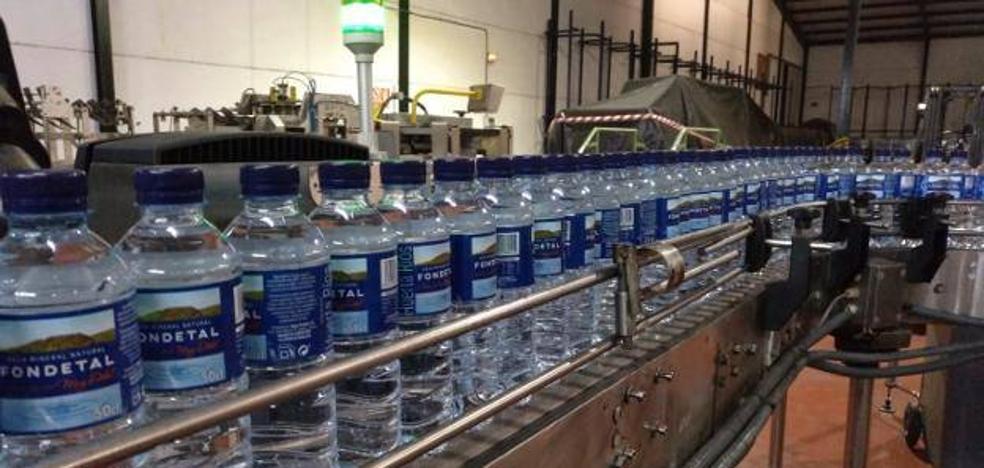 Aguas Fondetal amplía su fábrica de Talarrubias para triplicar la producción