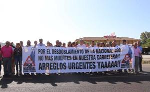 Nuevas movilizaciones para el desdoblamiento de la N-430 y contactos con grupos políticos