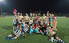 El CD Talarrubias asciende a primera regional tras unos playoffs demoledores