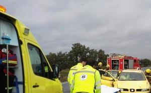 Herido el conductor de un turismo accidentado en la carretera de Jarandilla de la Vera