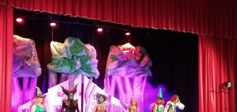 El musical de la Bella Durmiente baja el telón de los espectáculos del Programa Cultural de Otoño