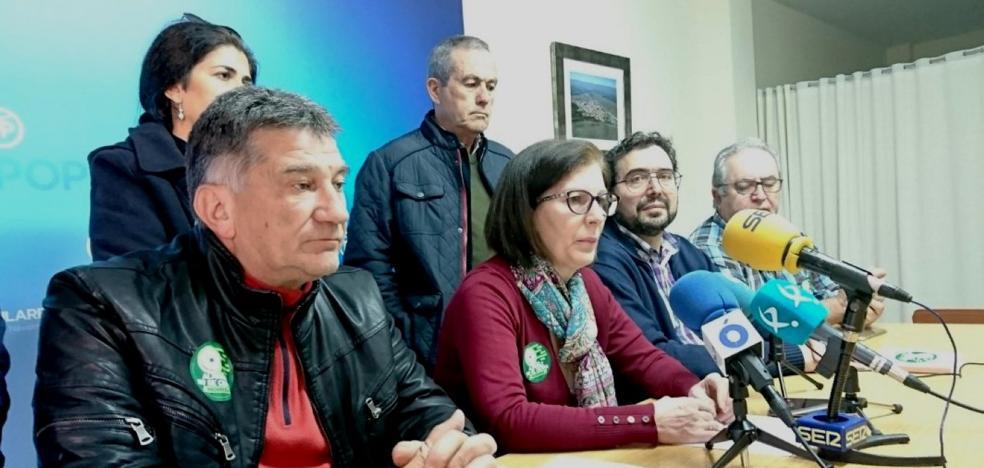El PP del Campo Arañuelo recoge firmas para apoyar la continuidad de la central nuclear