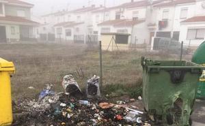 Cinco contenedores quemados por vandalismo o brasas mal apagadas