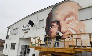 Un mural como homenaje a los mayores