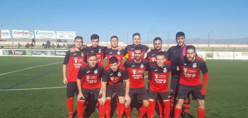 El Atlético Tiétar se mantiene en la pelea por el ascenso a Primera Autonómica