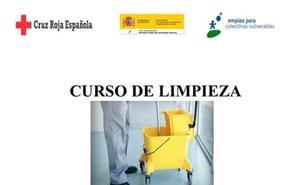 Cruz Roja imparte en Talayuela un curso de limpieza