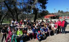 Alumnos del Gonzalo Encabo se inician en el pádel